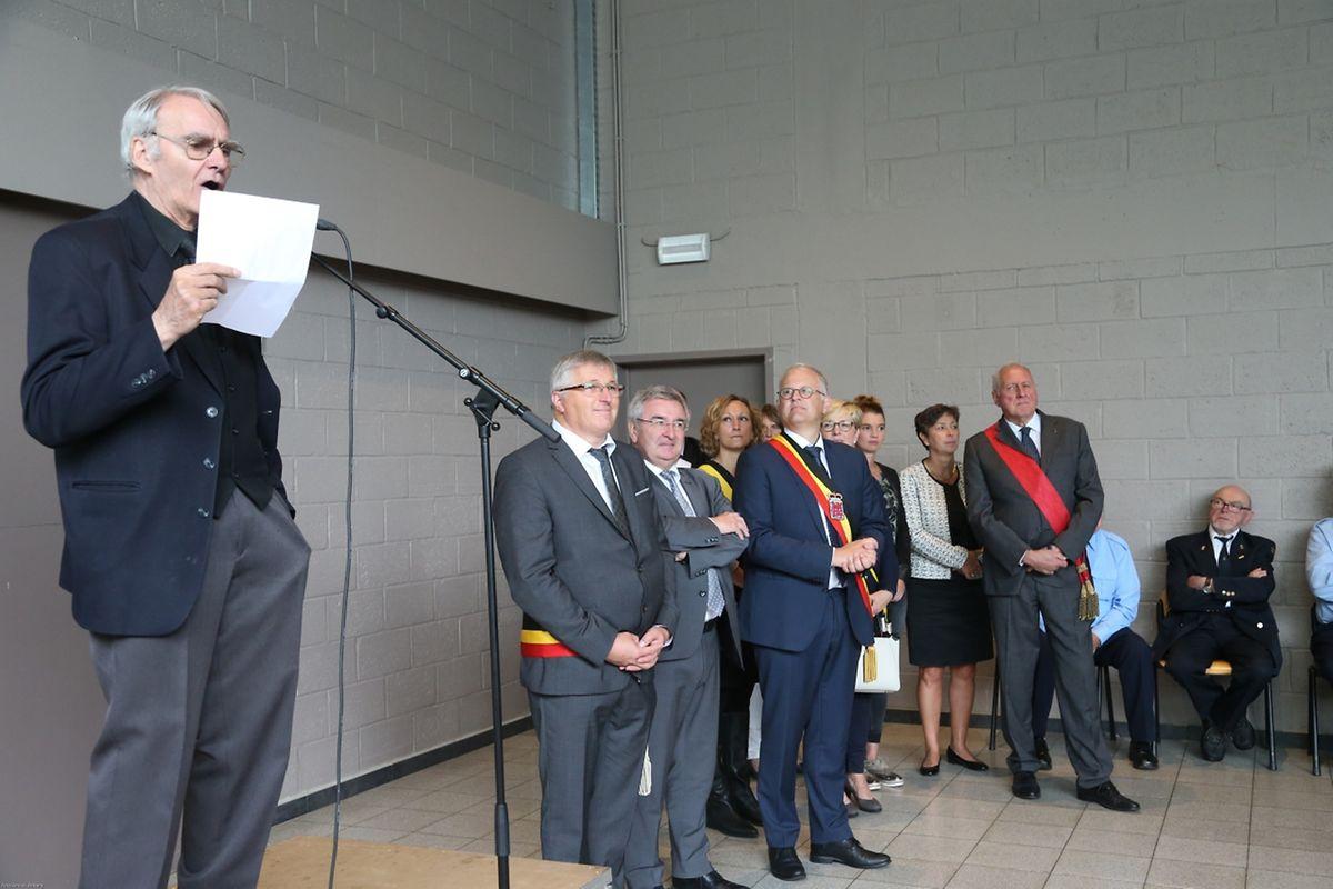Les commémorations de la «catastrophe de Martelange» se sont poursuivies après la messe par un dépôt de gerbes et le vernissage d'une exposition réalisée par le Cercle d'Histoire de Martelange.