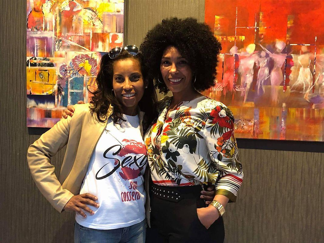 Maria Gomes, à direita, inaugurou a exposição na passada semana.