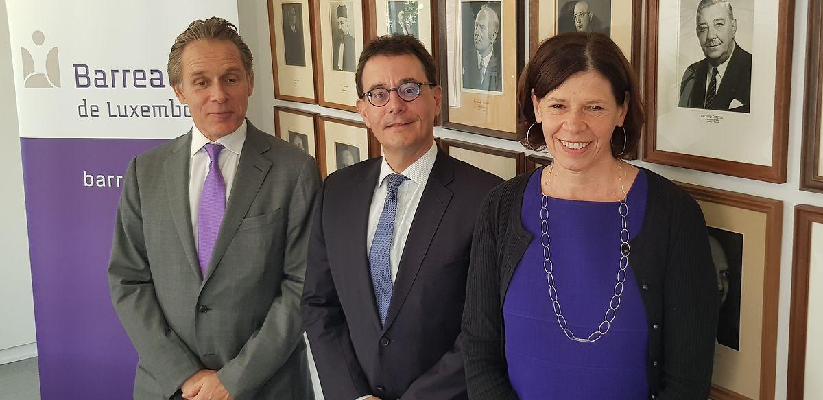 Die Vertreter der luxemburgischen Anwaltschaft (v.l.n.r.): François Prum (Bâtonnier-Sortant), François Kremer (Bâtonnier) und Valérie Dupong (Vice-Bâtonnier).