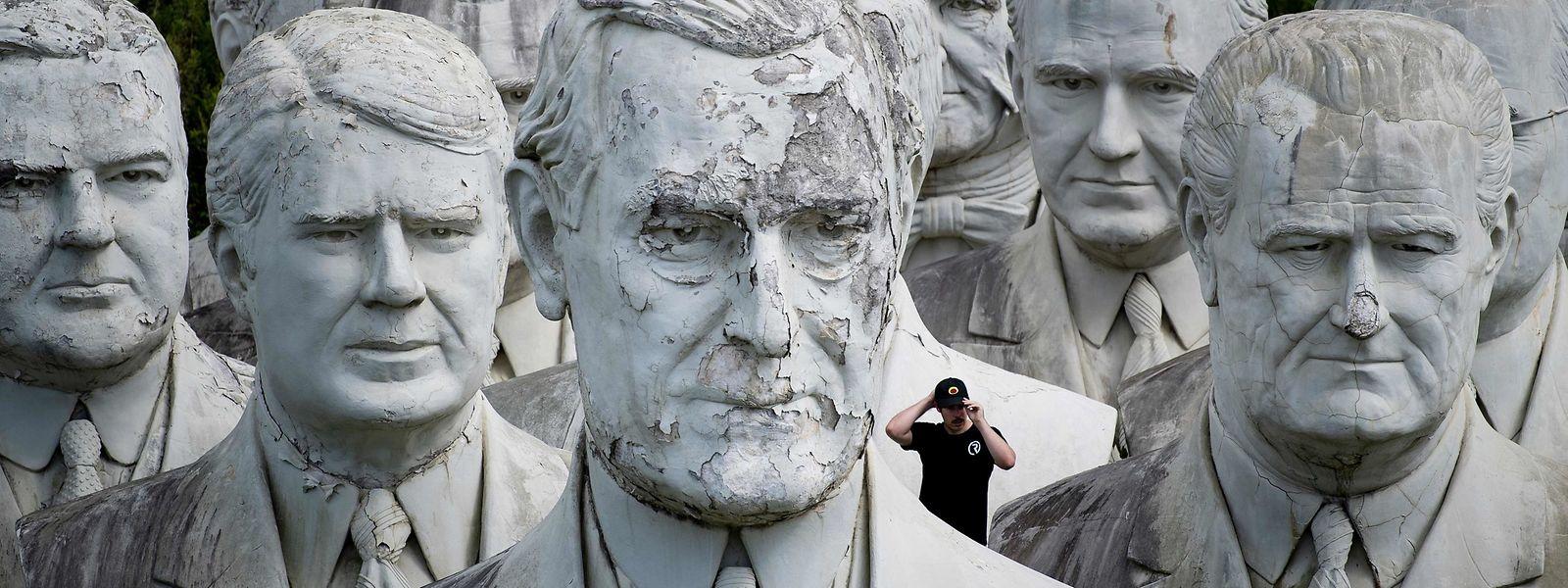 Toute l'histoire des États-Unis tient dans ses bustes sauvés de la destruction par Howard Hankins.