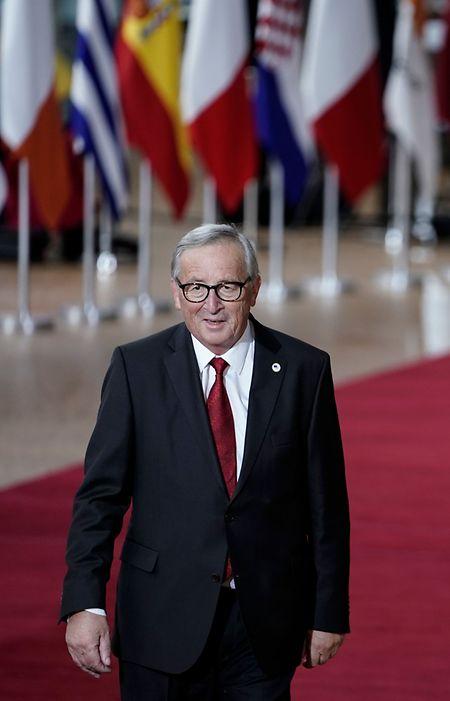 Gewohntes Bild seit fast zweieinhalb Jahrzehnten: Jean-Claude Juncker auf dem roten Teppich bei einem EU-Gipfel.