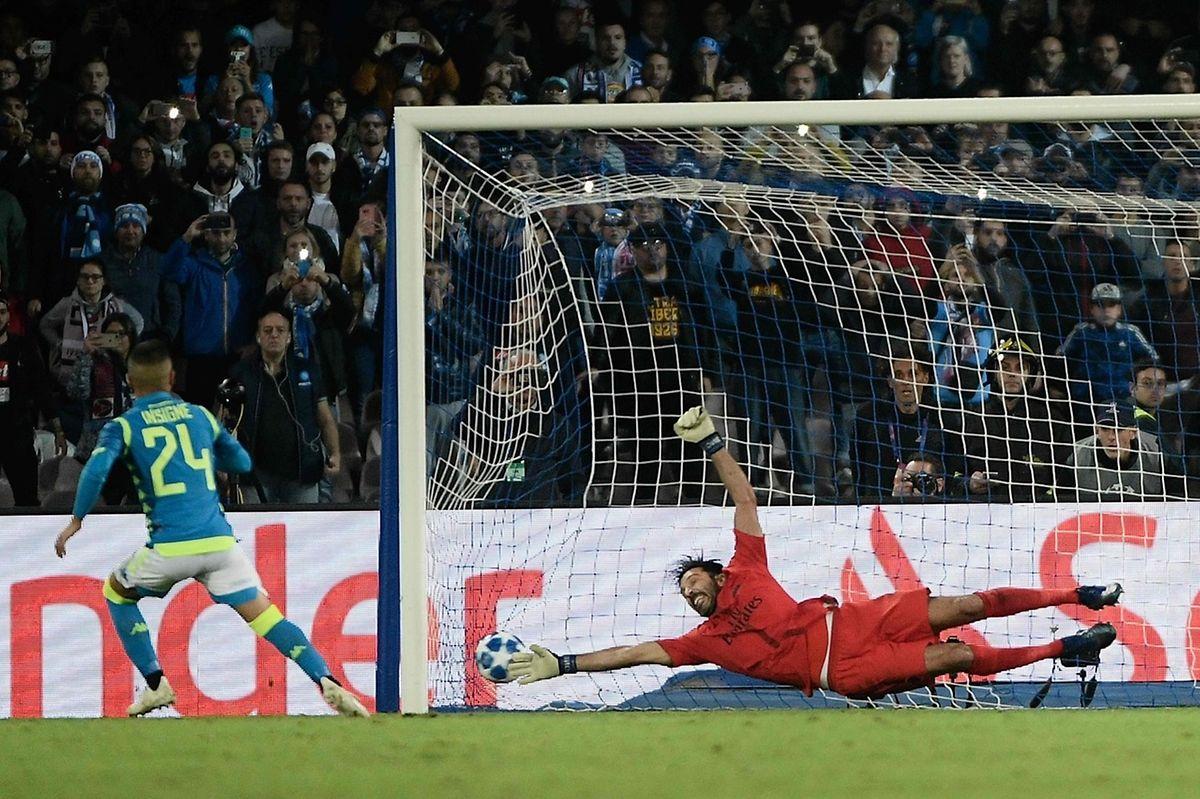 Lorenzo Insigne a trompé sur penalty un Gianluigi Buffon jusque-là impeccable.
