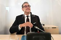 """Former Austrian Vice-Chancellor and leader of the far-right Freedom Party (FPOe) Heinz-Christian Strache is seen during the start of the Ibiza Committee of inquiry on June 4, 2020 in Vienna. - The so-called """"Ibiza-gate"""" scandal which brought down the right-wing coalition government exploded in May 2019 when a video emerged of the then leader of the far-right Freedom Party (FPOe) Heinz-Christian Strache and several other people, filmed in a villa on the Spanish island of Ibiza. (Photo by HELMUT FOHRINGER / APA / AFP) / Austria OUT"""