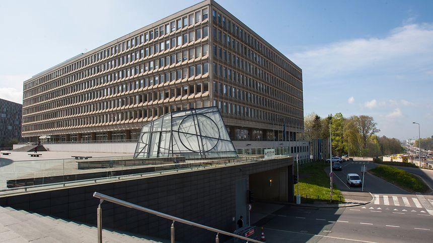 O edifício Robert Schuman fica situado em Kirchberg, junto à Philharmonie.