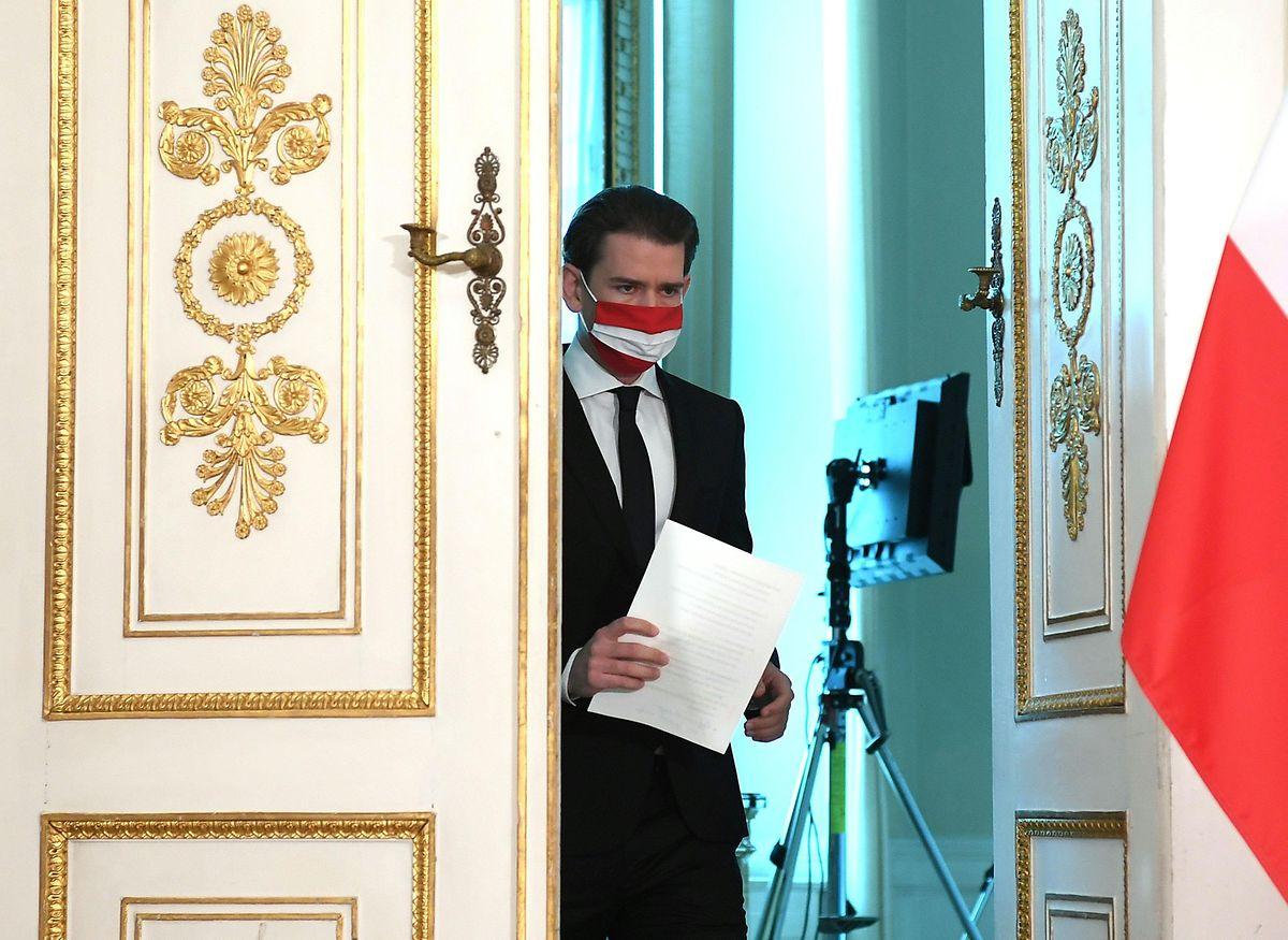 Sebastian Kurz (ÖVP), Bundeskanzler von Österreich, kommt zu einer Ansprache anlässlich des Terroranschlags in der Wiener Innenstadt.