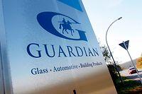 Der Glashersteller will bis zu einem Sechstel der Arbeitsplätze streichen.