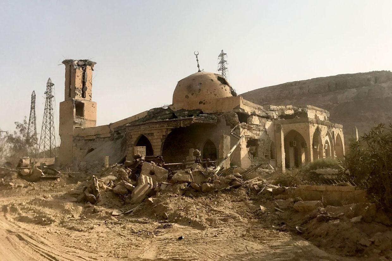 Bilder aus dem völlig verwüsteten Dair as-Saur im Osten Syriens, das am Donnerstag befreit wurde.