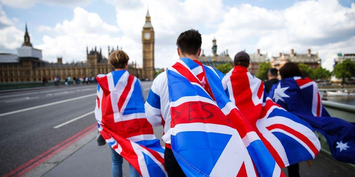 L'Union européenne, encore sous le choc, commence à s'impatienter et voudrait que la procédure de divorce s'engage rapidement, mais Londres compte prendre son temps.
