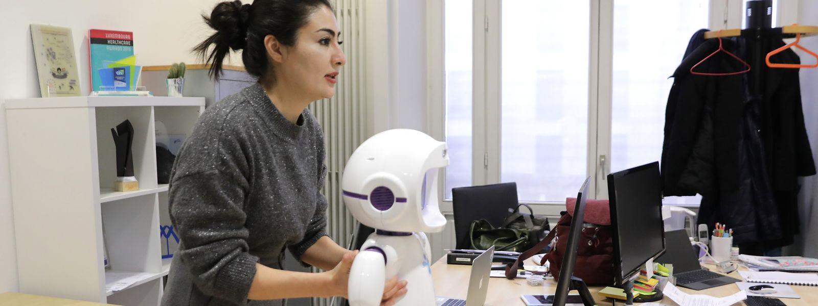 De cinq prototypes fabriqués en 2017, LuxAI est passé à près de 200 pièces déjà vendues depuis que le petit robot est devenu un produit commercial en août dernier.