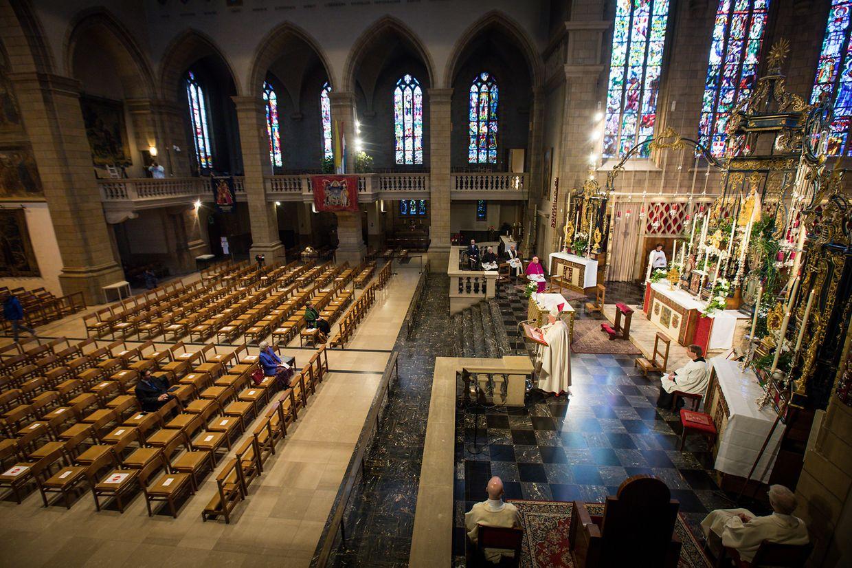 Die Eröffnung der Oktave 2020 fand wegen der Corona-Pandemie in einer  fast leeren Kathedrale statt.