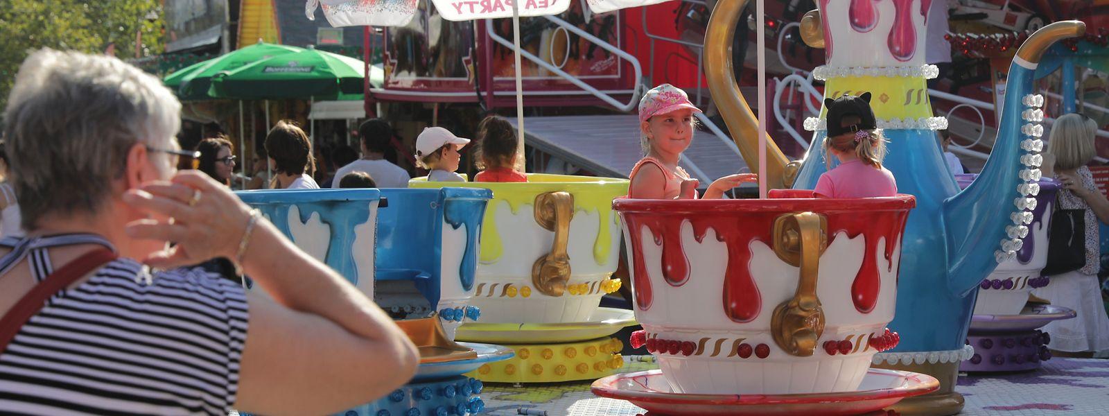 Les carrousels et autres manèges pour enfants seront accessibles gratuitement durant tout l'été.