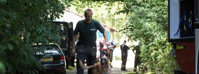 Amtshilfe aus Deutschland: Am Mittwoch wurde mit speziellen Leichenspürhunden, die auch unter der Wasseroberfläche Tote orten können, nach dem verschollenen Baby gesucht.