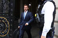 """Jeremy Hunt, britische Außenminister, verlässt die Downing Street nach einem Treffen über den britischen Öltanker """"Stena Impero"""". Die Konfrontation führender westlicher Länder mit dem Iran droht außer Kontrolle zu geraten."""