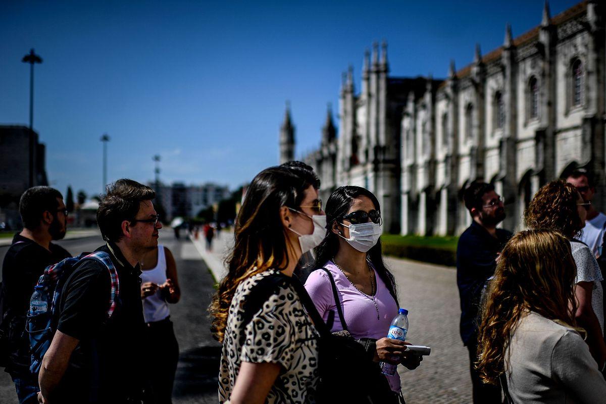 Difficile pour une destination touristique comme le Portugal d'affronter la crise sanitaire sans faire fuir les visiteurs.