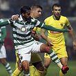 Bryan Ruiz e o Sporting saíram do estádio da Mata Real com mais três pontos e na liderança do campeonato