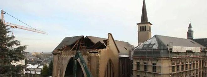 Mitte Dezember wurde der hintere Teil der Kirche abgerissen.