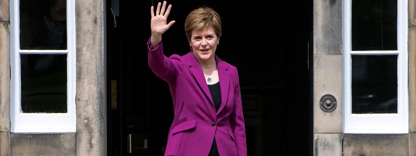 Die schottische Regierungschefin Nicola Sturgeon will eine neue Abstimmung über die Unabhängigkeit in die Wege leiten.