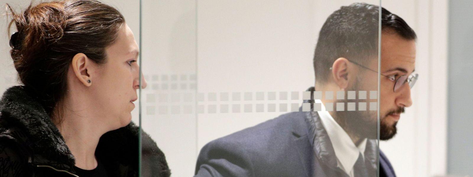 Alexandre Benalla und dessen Anwältin Audrey Gadot treffen vor Gericht in Paris ein.