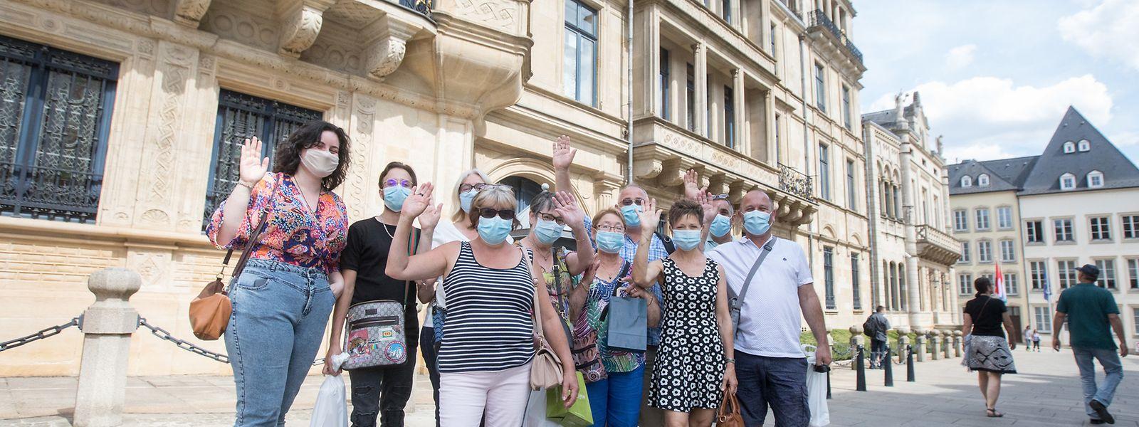 Pour visiter le palais, les touristes devront constituer des groupes de dix personnes maximum et porter une protection tout au long.