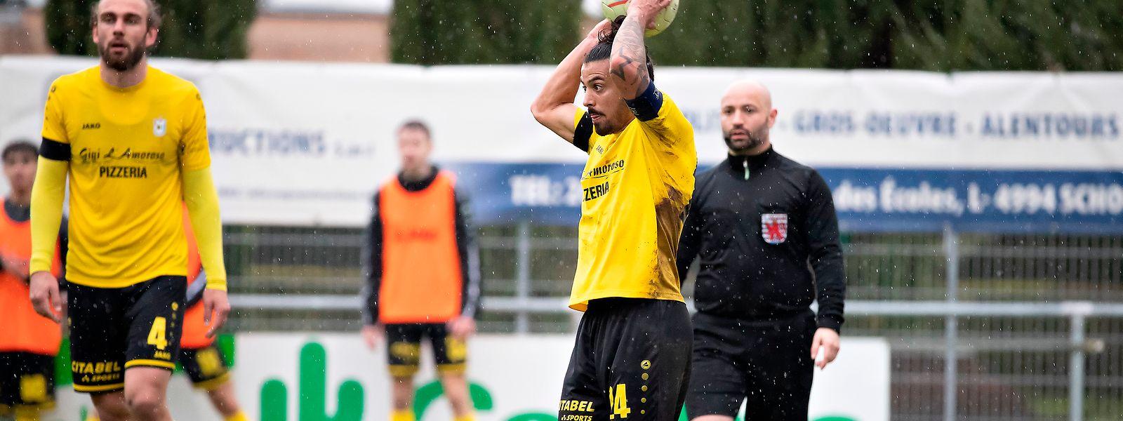 Mehdi Kirch beackert bei F91 den linken Flügel.