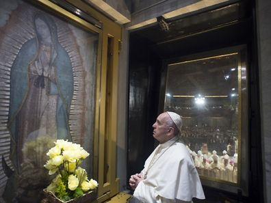 Le pape célébrant la messe à la basilique Notre-Dame de Guadalupe, le 13 février.