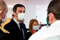 French Health Minister Olivier Veran (1st-L) and French Junior Minister of Autonomy Brigitte Bourguignon visit the Mercy Hospital - Metz-Thionville Regional Hospital prior to new announcements to curb the spread of the novel coronavirus Covid-19 on January 14, 2021, in Ars-Laquenexy, eastern France. (Photo by JEAN-CHRISTOPHE VERHAEGEN / AFP)