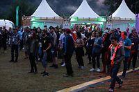 Trotz Regens zog es viele Zuschauer zum e-Lake-Festival.