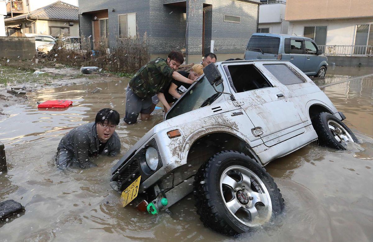 Die Region um die Metropole Hiroshima ist besonders von den heftigen Regenfällen betroffen.