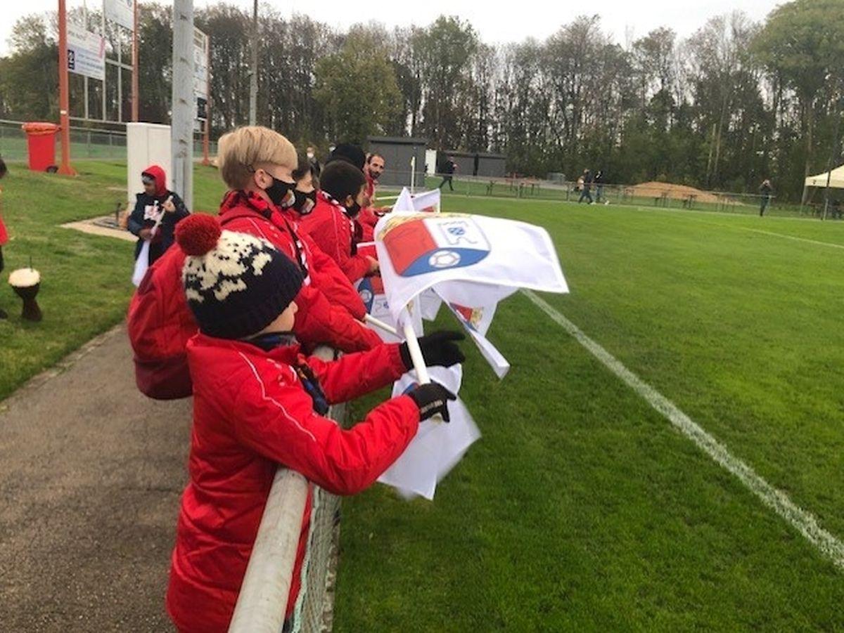 Os jovens do Cebra, que perdeu na receção ao Strassen (2-3) não se cansaram de apoiar a equipa da casa que esteve perto de cometer uma surpresa.