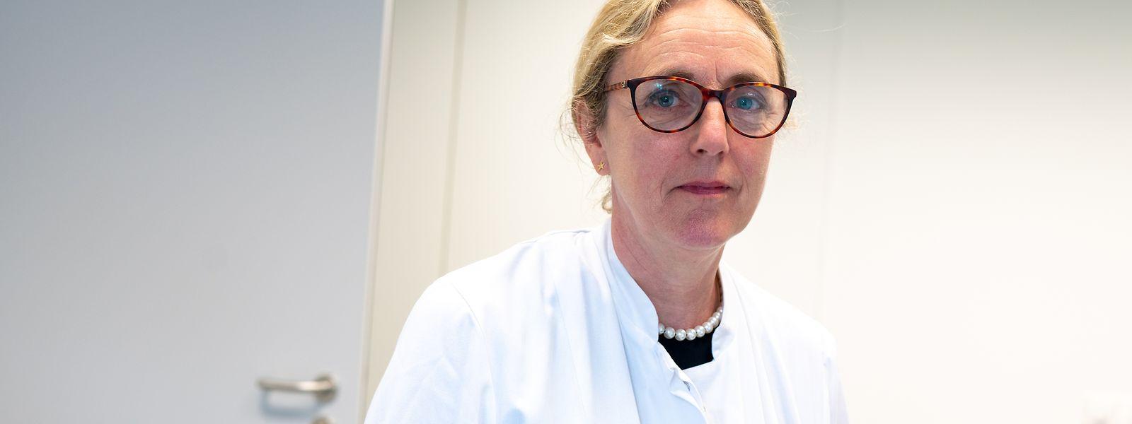 Dr. Thérèse Staub ist die Präsidentin des Conseil supérieur des maladies infectieuses in Luxemburg. Sie spricht sich für eine Impfung der jüngeren Bevölkerung aus. Noch sind die Vakzine aber nicht für Kinder unter zwölf Jahren zugelassen.