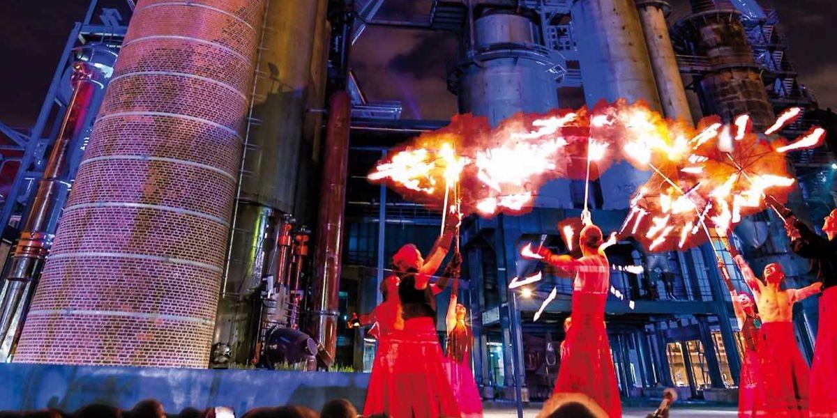 La compagnie la Salamandre est spécialisée dans les spectacles faisant appel au feu.