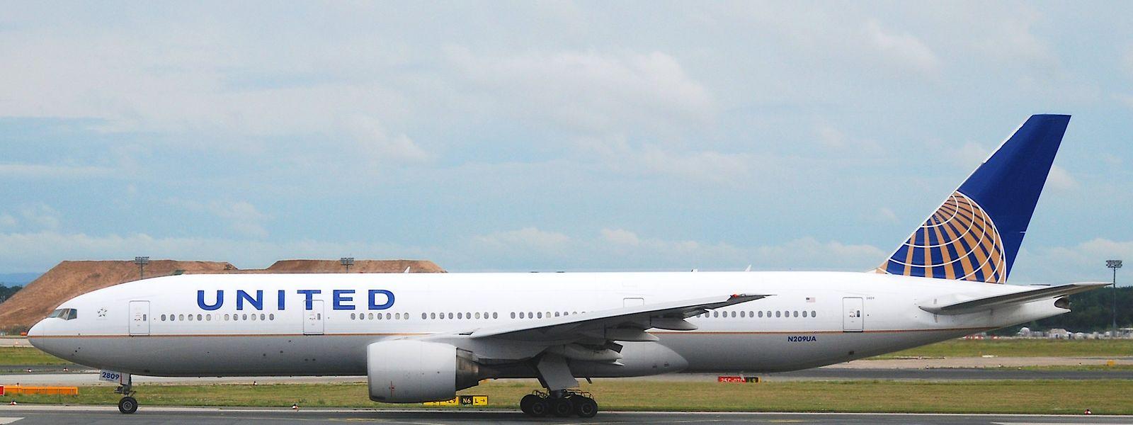 Die United-Maschine stand 14 Stunden lang in der Kälte von Neufundland.