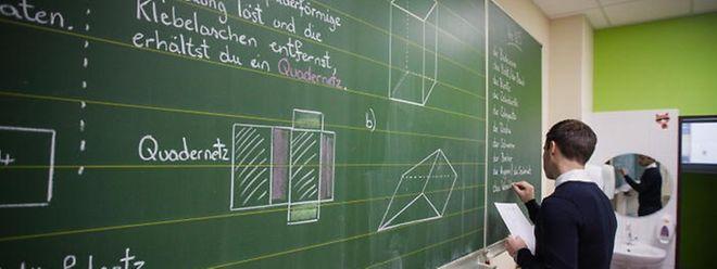 Die Zahl der Lehramtsstudenten an den Universitäten reicht nicht aus, um alle Lehrerstellen zu besetzen. Doch die vom Ministerium geplanten Maßnahmen greifen zu kurz, findet Claude Adam von Déi Gréng.