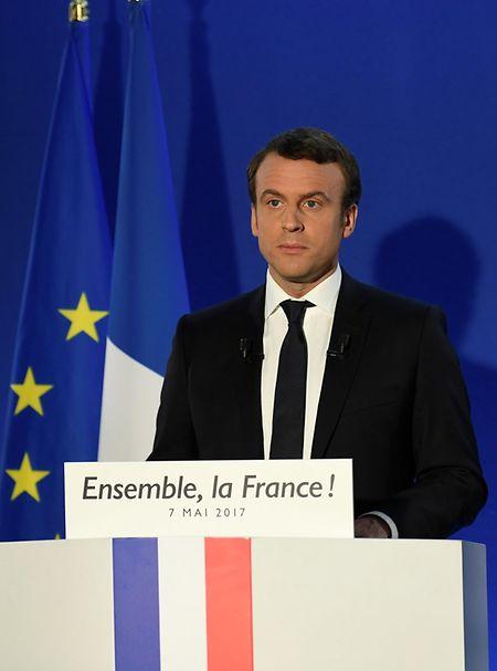 Emmanuel Macron hielt während seiner Fernsehansprache nach Bekanntgabe seines Sieges eine ernste Rede.