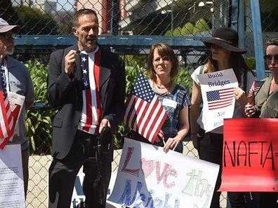 US-Amerikaner, die in Mexiko leben, protestieren gegen die geplanten Abschiebungen.