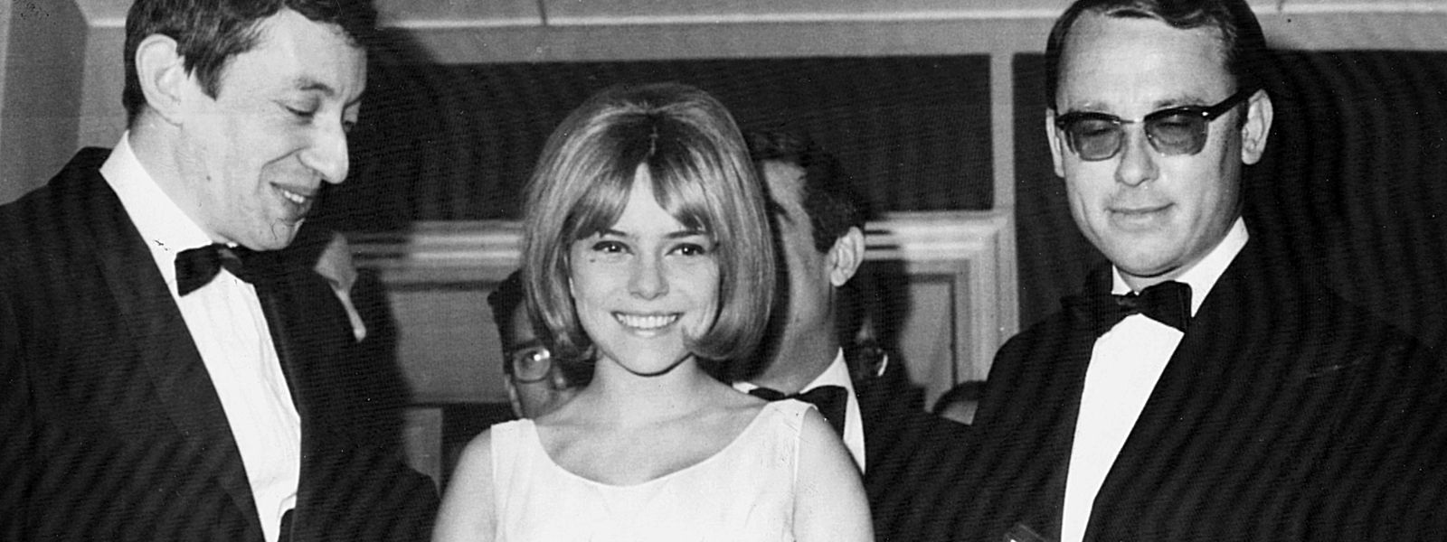 La chanteuse avait eu un cancer du sein un an après le décès subit de son époux Michel Berger en 1992 à 44 ans, d'un infarctus.