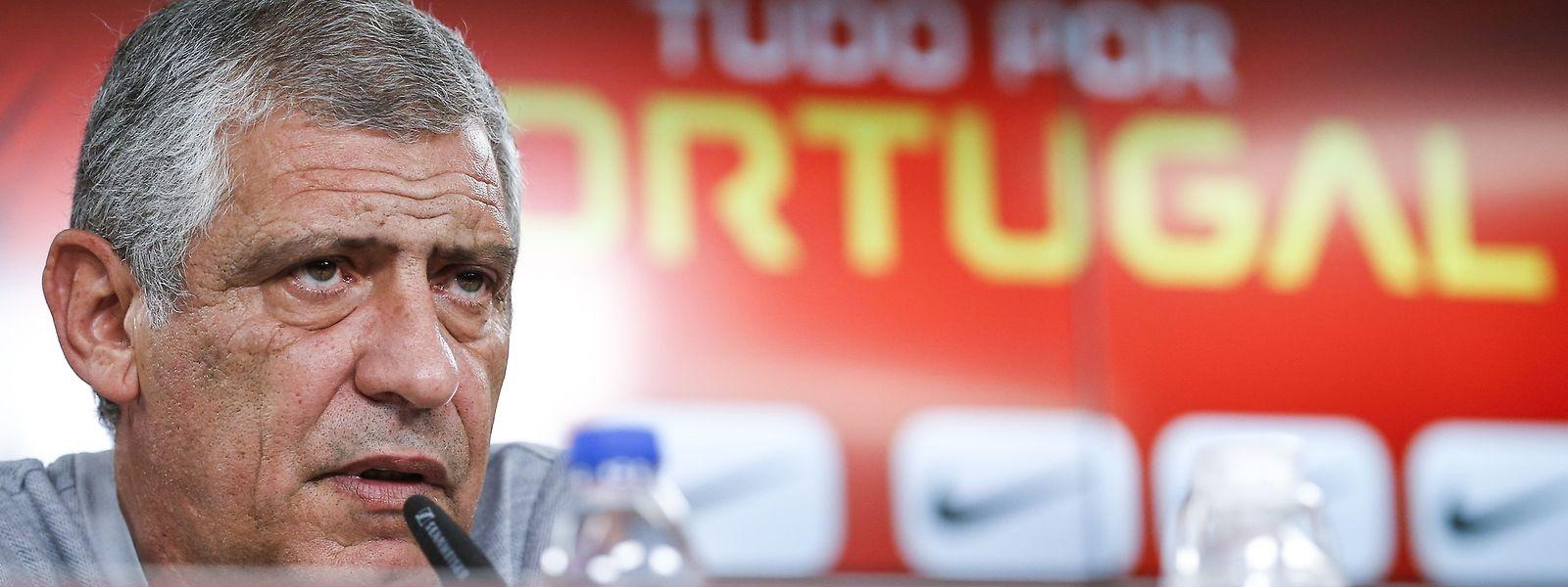 Fernando Santos diz que não há favoritos entre Portugal e a Itália.