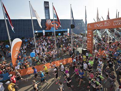 Start / Leichtathletik, ING Night Marathon Luxembourg 2017 / 27.05.2017 / Startbereich Luxexpo, Luxemburg / Foto: Christian Kemp