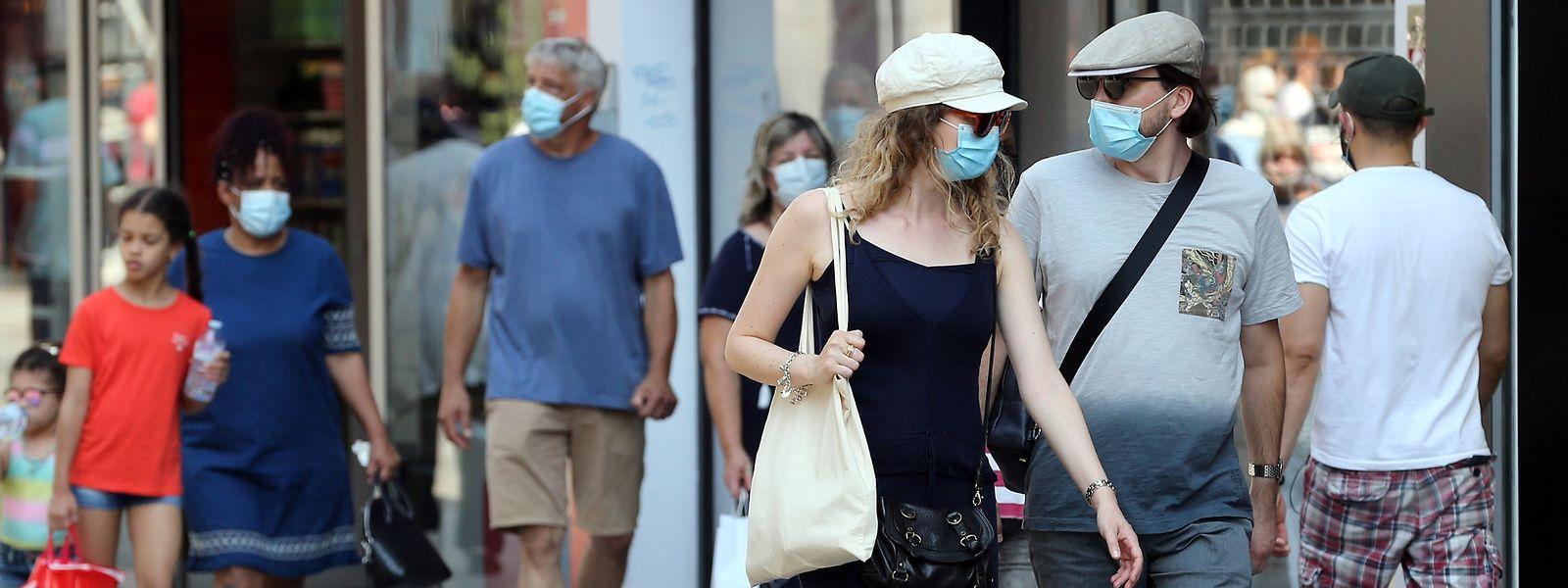 Le port du masque ne sera plus obligatoire dans les rues de Bruxelles à partir du 1er octobre. Mais il est «fortement recommandé» par les autorités belges.