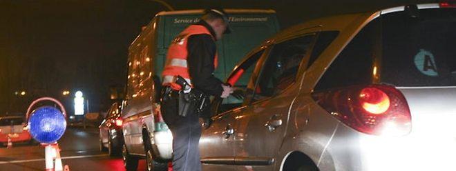 Bei mehreren Alkoholkontrollen wurden vergangene Nacht zwei Führerscheine entzogen.