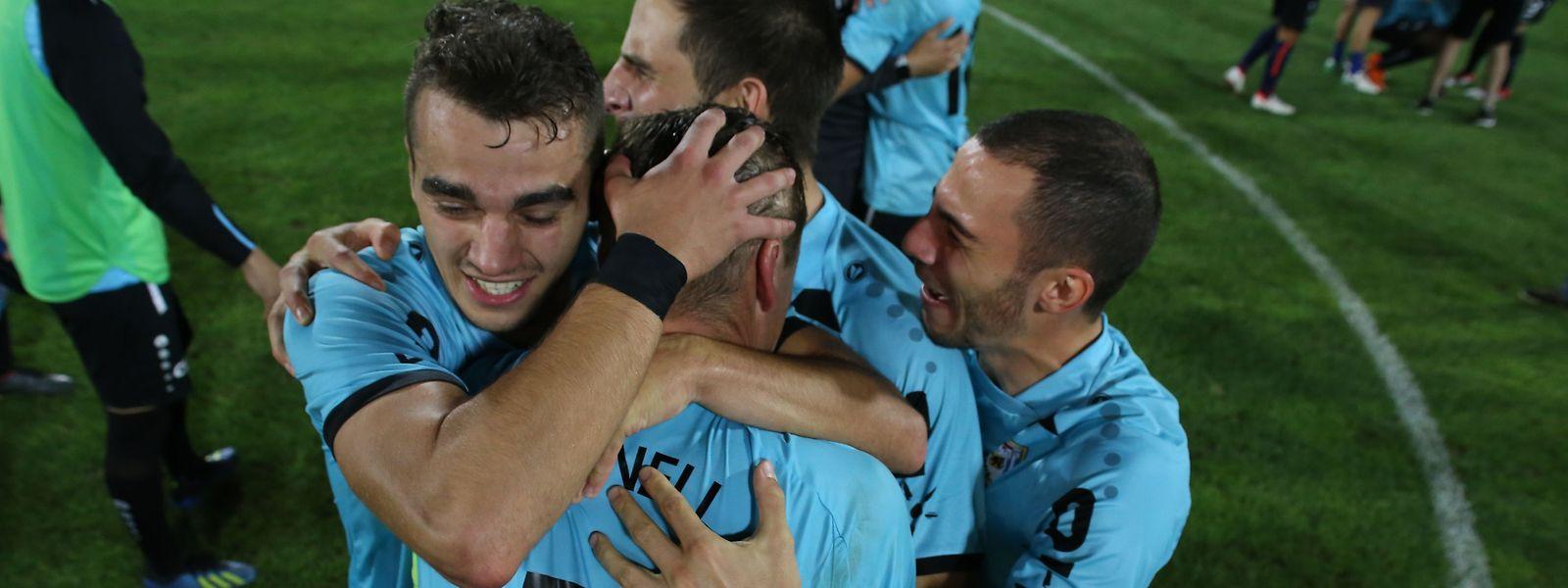 L'immense bonheur des Dudelangeois à la fin du match. Ils ont écrit l'histoire!