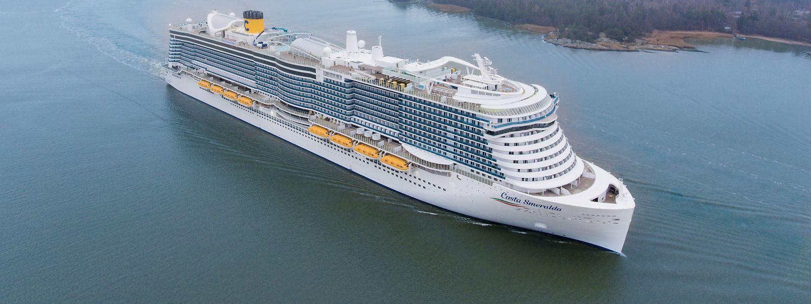 """Endlich fertig: Costas erstes LNG-Schiff """"Costa Smeralda""""."""