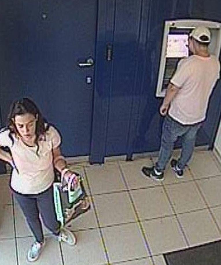 Die beiden Tatverdächtigen auf Bildern von Überwachungskameras.