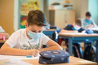 Die Schüler sollen unter so normalen Bedingungen wie nur möglich zur Schule gehen. Infektionsbedingte Quarantänen sollen so weit es geht, vermieden werden, damit nicht zu viel Unterrichtszeit verloren geht.