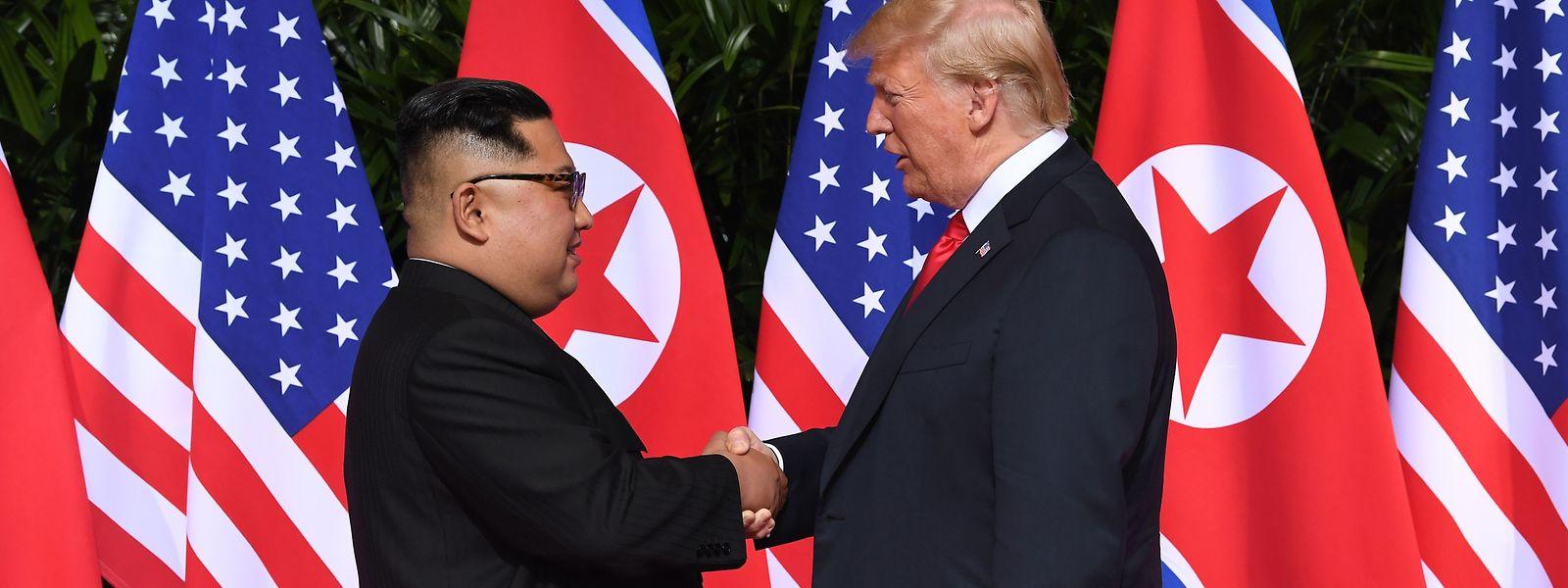 Einer der diplomatischen Erfolge des US-Präsidenten Donald Trump (rechts) ist seine Annäherung an Nordkorea, die jedoch wenig Konsequenzen mit sich brachte.