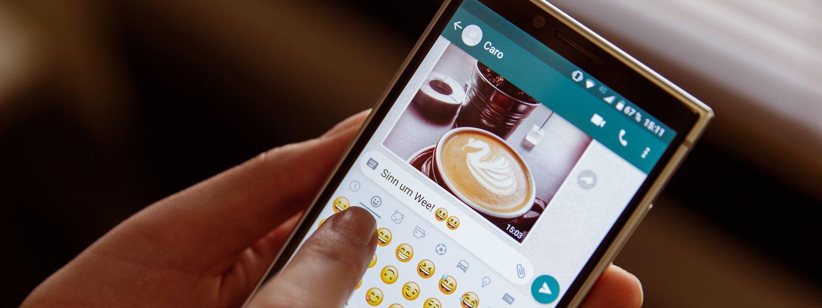 WhatsApp löste die kostenpflichtige SMS ab und sorgt dafür, dass auch das Luxemburgische im digitalen Schriftverkehr verstärkt genutzt wird.
