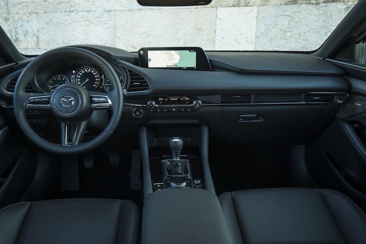 Im Cockpit liegt der Schwerpunkt auf einer einfachen und weitestgehend intuitiven Bedienung.