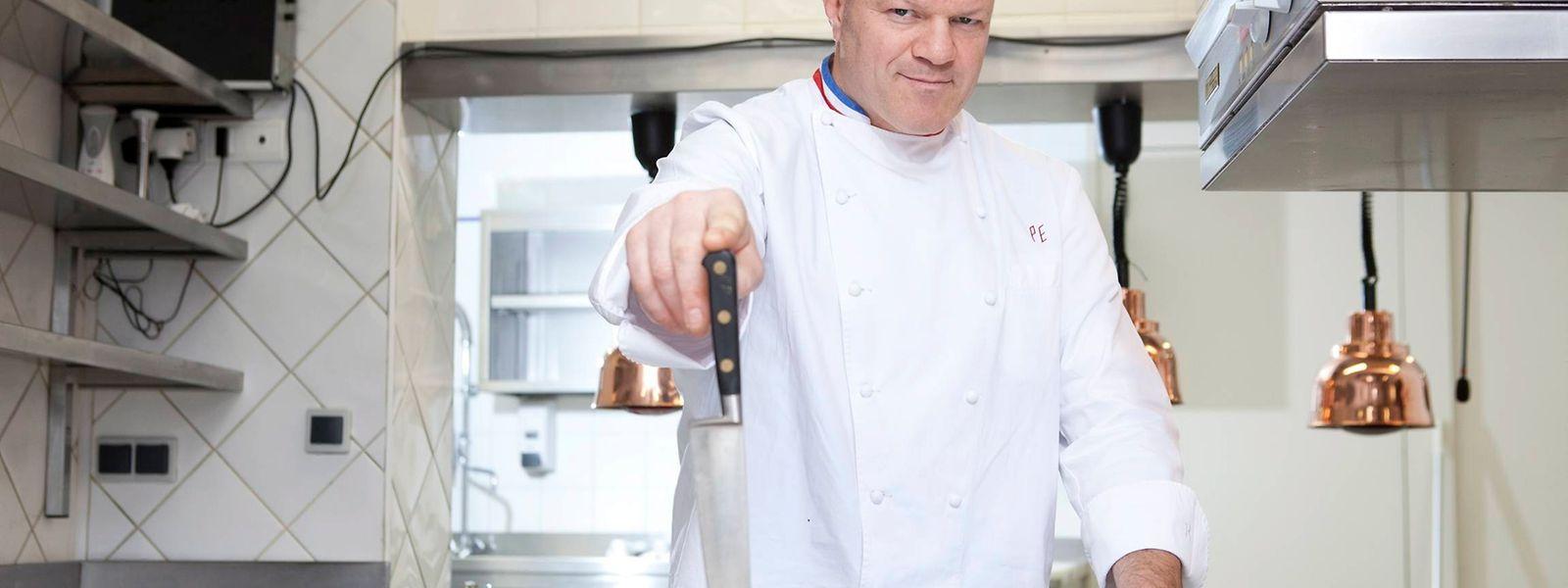 Chef de très haut niveau, Philippe Etchebest ne ménage pas les équipes en cuisine, ni en salle.