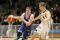 Ben Kovac (l.) setzte sich mit Basket Esch in Düdelingen gegen Cory Johnson und Co. durch.