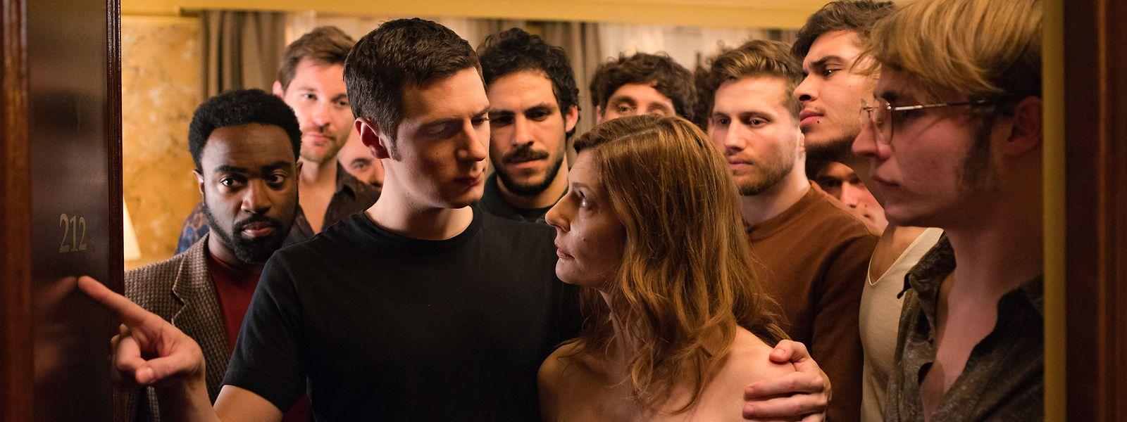 """O filme """"Chambre 212"""", co-produzido pelo Luxemburgo, ganhou o prémio de melhor atriz (secção """"Un Certain Regard""""), com Chiara Mastroianni, ao centro."""